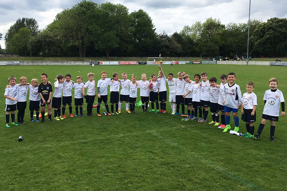 Trafford-FC-Youth-Service-Image-2